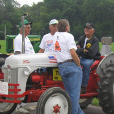Never saw this coming Garl on a Ford tractor - The Wormley's