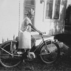 Cliff ready for his paper route (c. 1941) - Jeff Jarrett