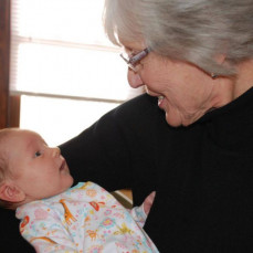 Lois with her great-granddaughter Madeline in 2012. - Nick Swanson-Hysell